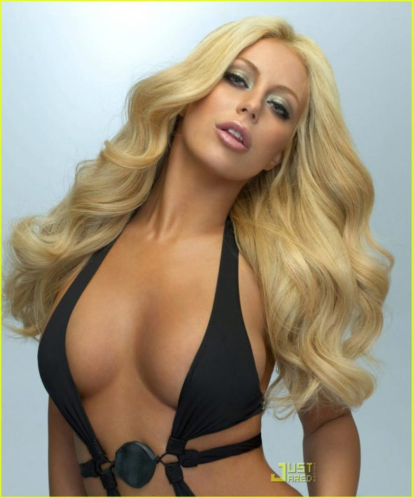 aubrey-oday-playboy-march-2009-cover-03