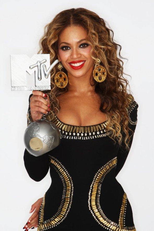 61730_Celebutopia-Beyonce-2009_MTV_